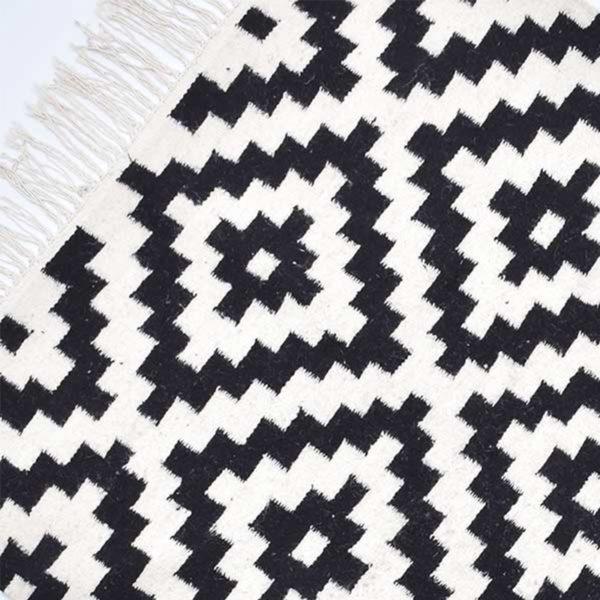 1-Pyramide-Noir-Tapis-Zarbia-Carpet-Sheep-wool-laine-Hande-Made-artisanat-artisanatex-tunisie-tunisia