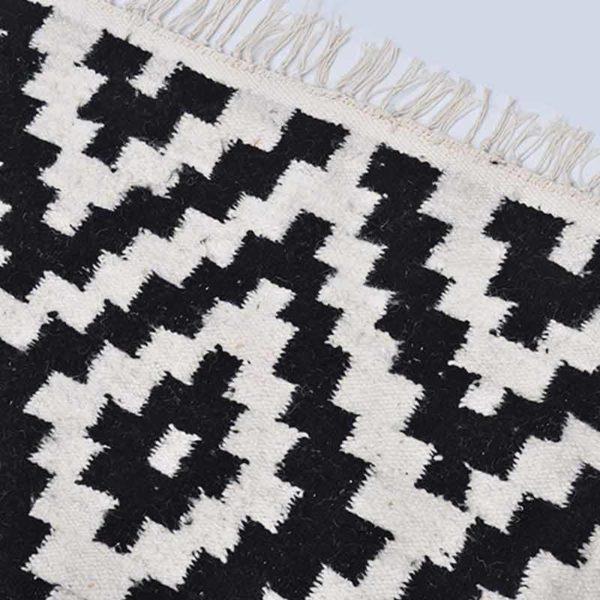 1-Pyramide-Noir-Tapis-Zarbia-Carpet-Sheep-wool-laine-Handemade-artisanat-artisanatex-tunisie-tunisia
